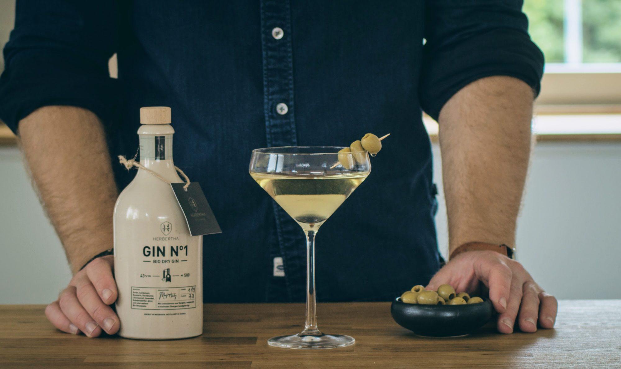 Dry Martini mit Herbertha Gin